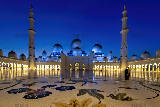 Abu Dhabi. United Arab Emirates. Sheikh Zayed Grand Mosque at dusk.