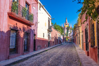 Colorful street of San Miguel de Allende, colonial town in Mexico. UNESCO World Heritage Site.