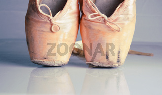 old pink ballet pointe shoes