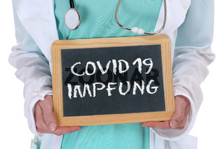 COVID-19 Covid 19 Impfung Coronavirus Corona Virus Vaccine impfen Arzt Doktor Krankenschwester