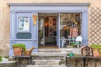 Decoration shop in the village of Gordes