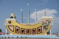 THAILAND PHETBURI WAT NOK PAK TALE TEMPLE