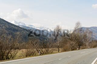 Ausblick in Sankt Margarethen im Lungau mit Gebirge - Austria