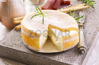 french cremoulin cheese