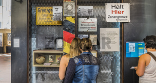 traenenplalast, history museum, visitors in front of showcase