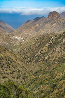 View down into the valley of Valhermoso - La Gomera