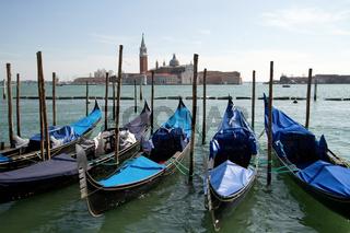 Gondeln 002. Venedig. Italien