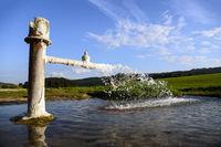 Cold water geyser