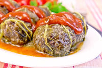 Rhubarb leaves stuffed with sauce in plate