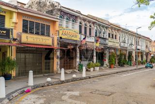 Alte Kolonialgebäude, typische Shophouses, in der Altstadt von George Town, Penang
