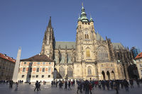 People in front of St. Vitus Cathedral, Prague Castle, Prague, Bohemia, Czech Republic, Europe