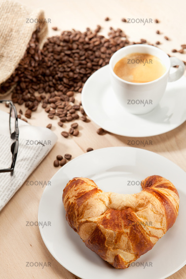 Aromatic breakfast with classical reading matter