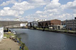 Hafenbecken im Dortmunder Hafen, an der Speicherstrasse