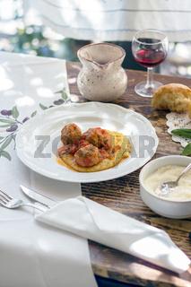 Polenta with meatballs