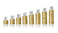 Coin stacks with letter dice - Grants - Zuschuss German
