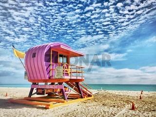 Einer der berühmten Rettungsschwimmer Türme von Miami Beach, Florida.