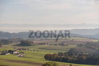 Fernsicht und bäuerliche Betriebe im Oberen Donautal - Austria