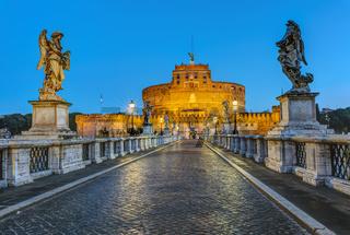 Die Engelsburg und die Engelsbrücke in Rom