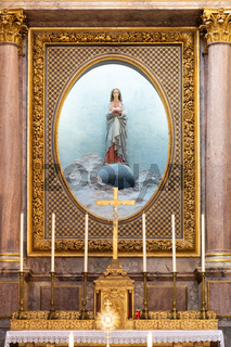 Holy Mary statue in Blois, France