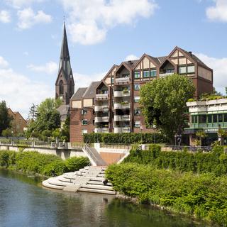 Stadtansicht mit Fluss Lippe und Kirche St. Marien
