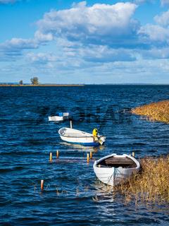 Boote auf der Ostsee auf der Insel Møn in Dänemark