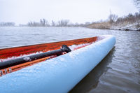 stand up paddling in winter