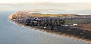 Luftaufnahme von der Nordseeküste und der Insel Sylt