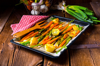 Caramelized oven vegetables with honey and sesame