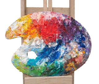 Verschiedene Farben auf einer bunten Malerpallette