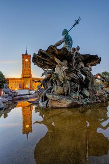 Der Neptunbrunnen am Alexanderplatz in Berlin