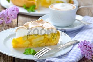 Rhabarberkuchen mit Cappuccino