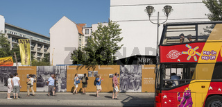 sightseeing bus am checkpoint charlie