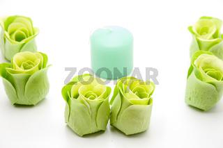 Rosenseife mit Kerze