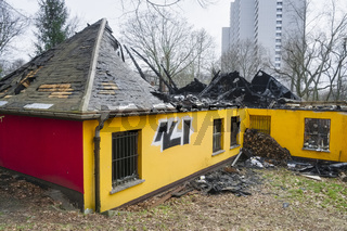 Niedergebranntes Restaurant Pavillon, Berlin, Deutschland