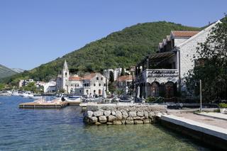 Donja Lavasta bei Tivat, Buch von Kotor, Montenegro
