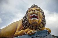 guard lion statue