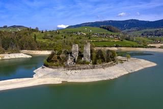 Ruinen der Festung Pont-en-Ogoz auf der Insel Ogoz, Greyerzersee, Kanton Freiburg, Schweiz