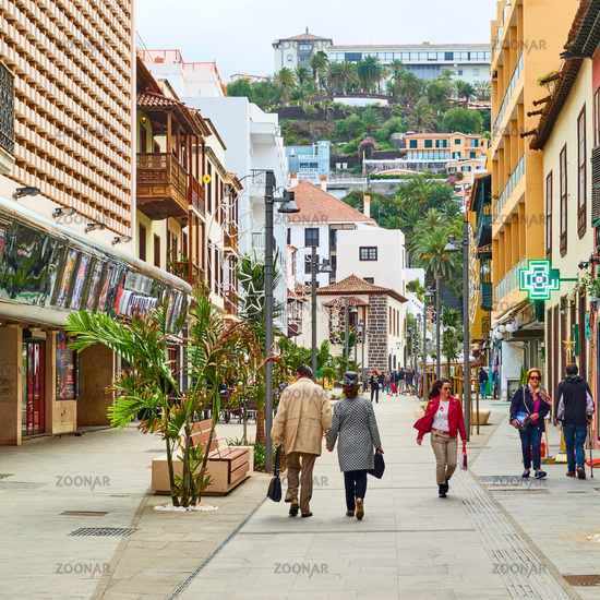 Street with walking people of Puerto de la Cruz