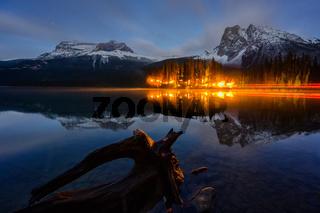 Emerald Lake Banff, Alberta Kanada travel destination in night