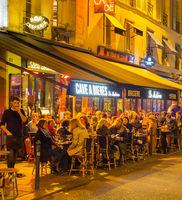 People street restaurant Paris night