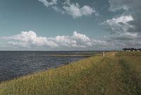 Landschaft an der Wesermündung bei Fedderwardersiel    Landscape at the mouth of the Weser by Fedderwardersiel