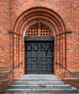 Portal an der Rosenkranz Basilika in Berlin