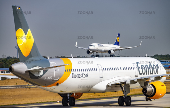 Airplanes from Condor and Lufthansa