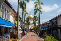 Singapur, Republik Singapur, Sultan-Moschee (Masjid Sultan) im Muslimischen Viertel waehrend Coronakrise (Covid-19)