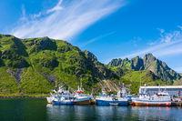 Fischerboote auf den Lofoten in Norwegen