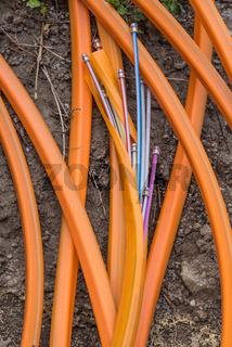 schnelles Internet durch Glasfaserkabel - Nahaufnahme Breitbandinternet