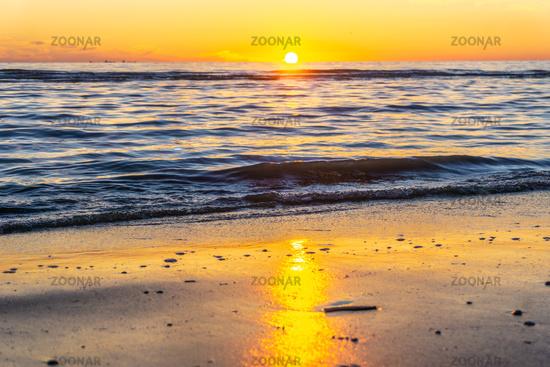 Wunderschöner Sonnenuntergang am Meer-28.jpg