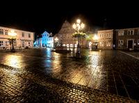 Market square Bückeburg by dark in the rain