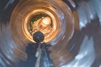 Schweißer in einem Rohr Welder in a tube