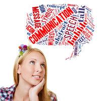 Frau mit Sprechblase zum Thema Kommunikation